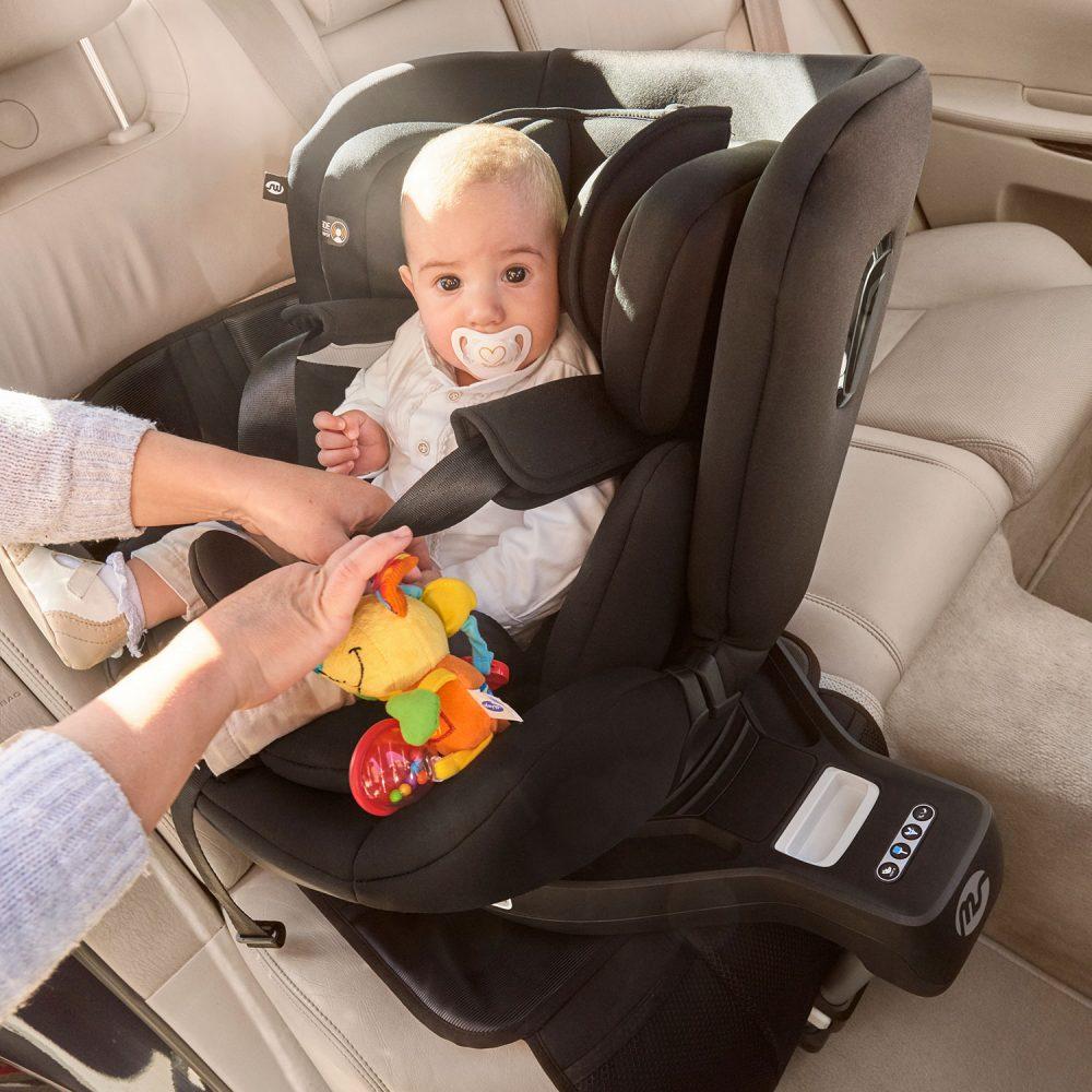 Qué es el Isofix, top tether y otras cosas que debéis saber sobre sillas de coche.